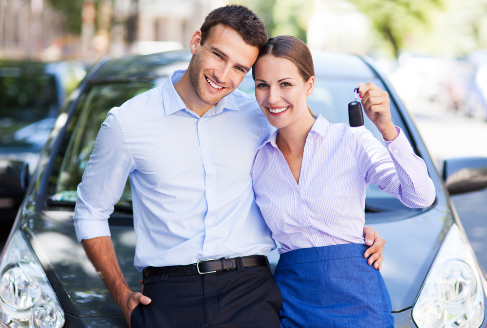 couple used car payment calculator to buy a new car