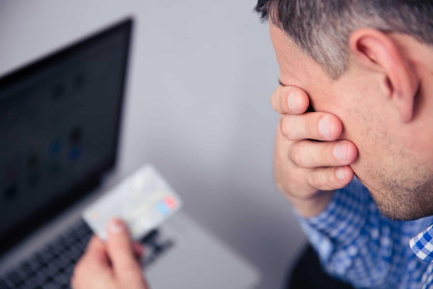 Man Shocked Online Shop.