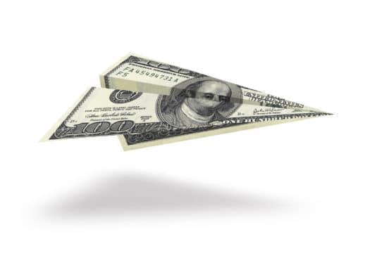 billete de cien volando millas