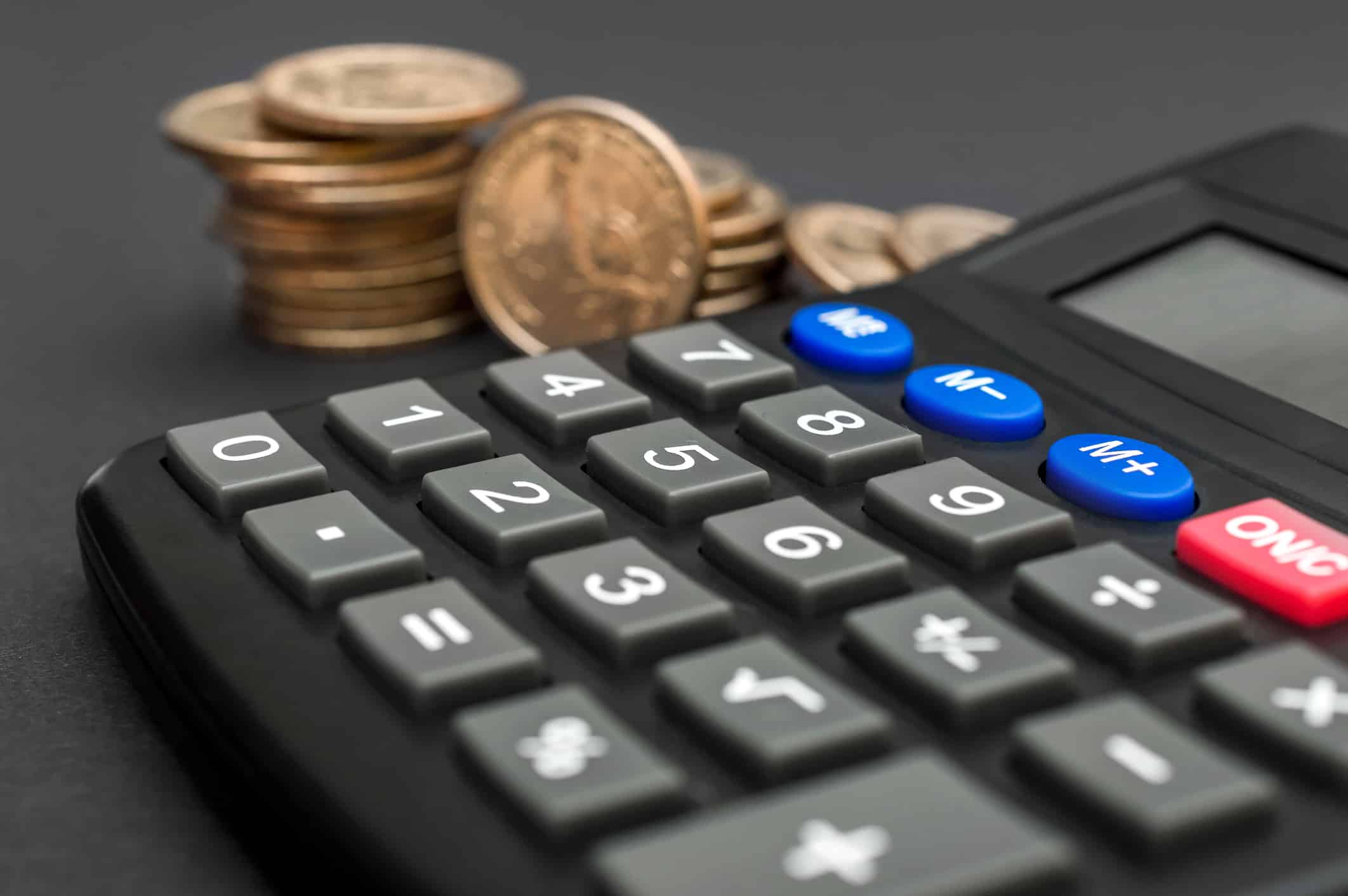 A calculator for refinancing private student loans to save on interest