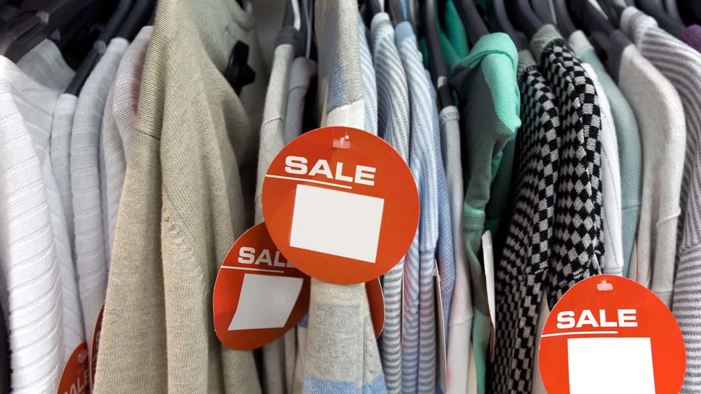 Clothing Sale-Click for more blank signs and notices