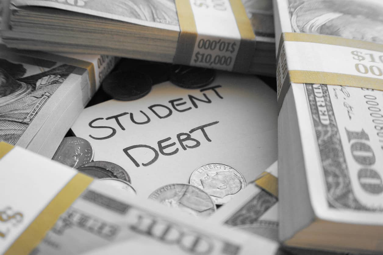 8 Ways Defaulting on Student Loan Debt Can Make Life Miserable