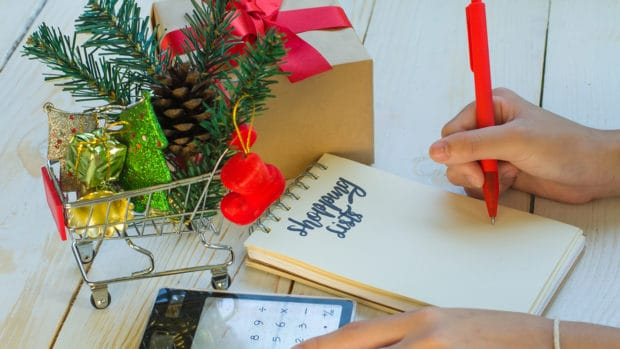 8 Ways to Prep Now for Your Holiday Budget