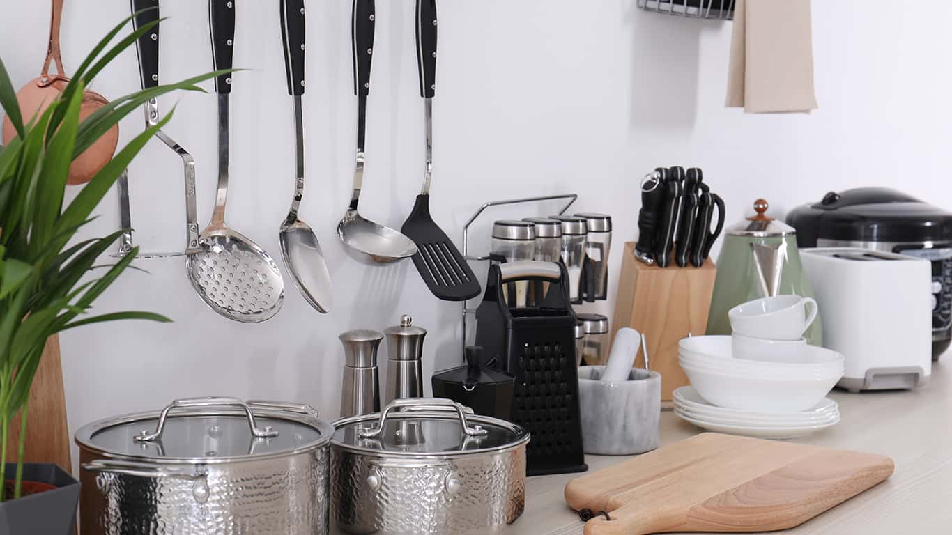 Cookware dishes and utensils