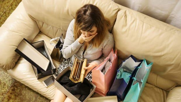 8 Warning Signs of a Shopping Addiction
