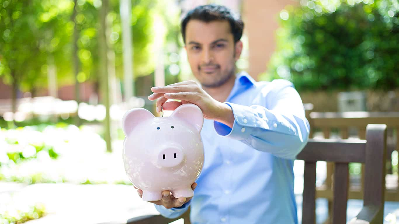 9 Strategies to Enjoy a Debt Free College Life