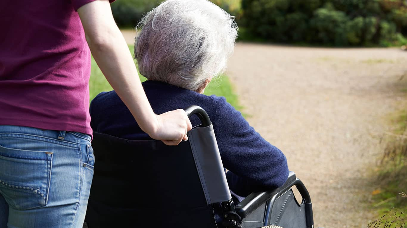6 Ways Being a Caregiver for An Aging Parent