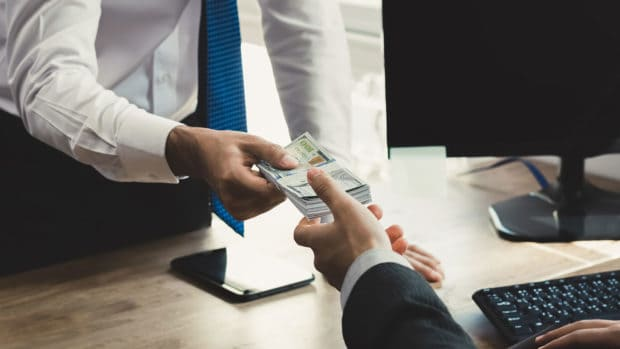 5 Things to Consider Before Borrowing Money from Family and Friends