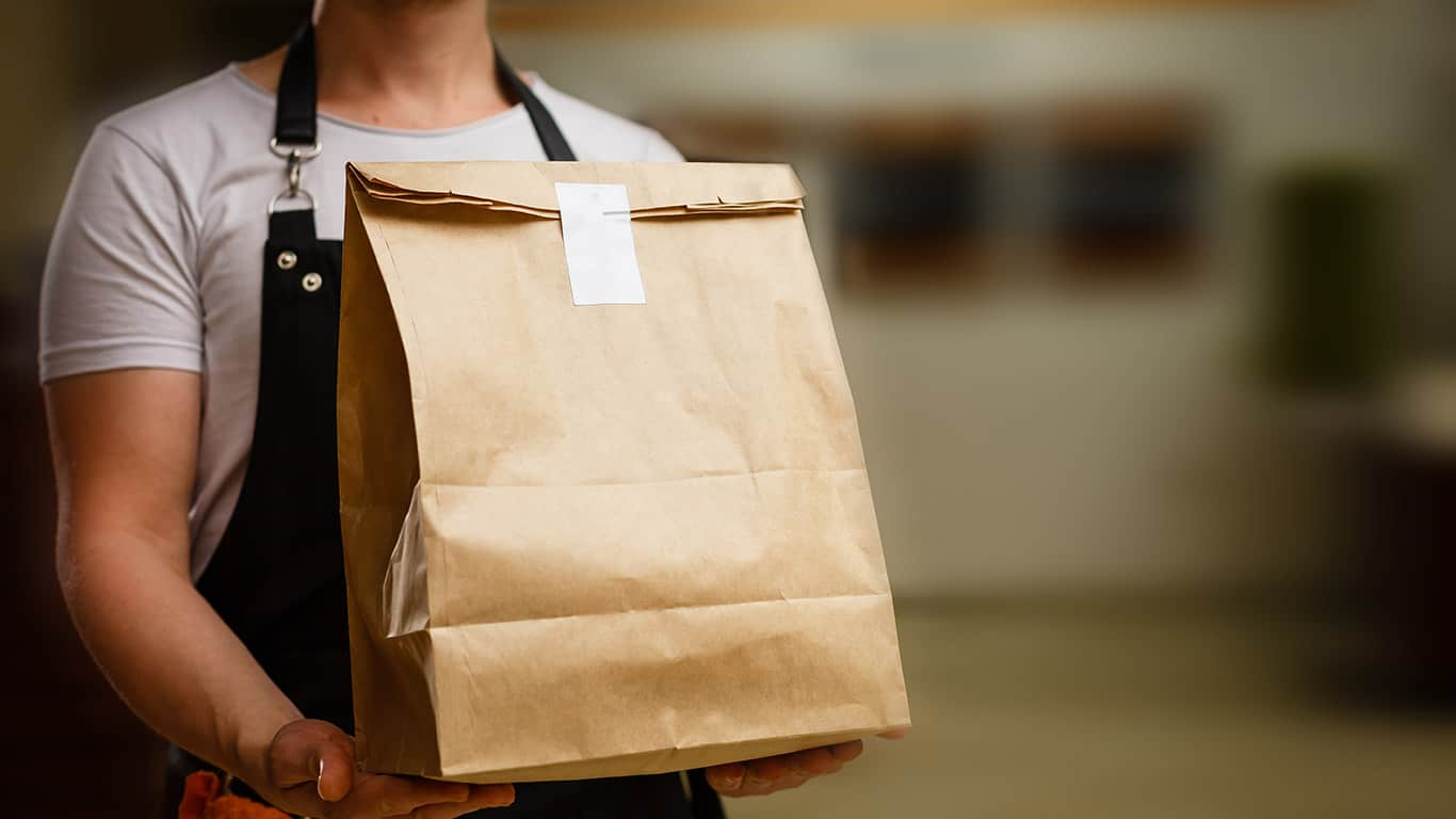 8 Ways to Save on Restaurant Food Delivery