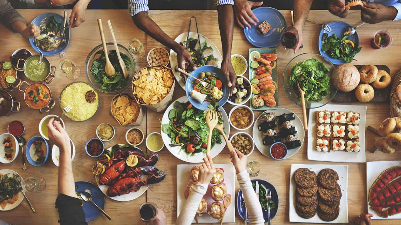 Pro: Bountiful dining options