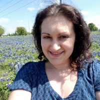 Julie Smeltzer of Fab Working Mom Life