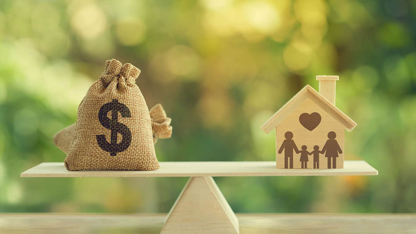 House mortgage and family financial management