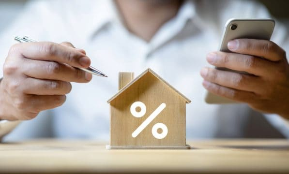 fixed rate mortgage; little house with percentage symbol on it