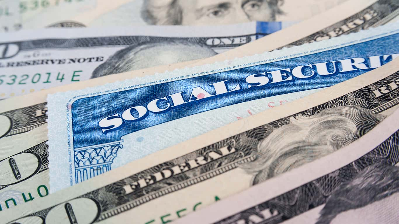You can still work while drawing social security