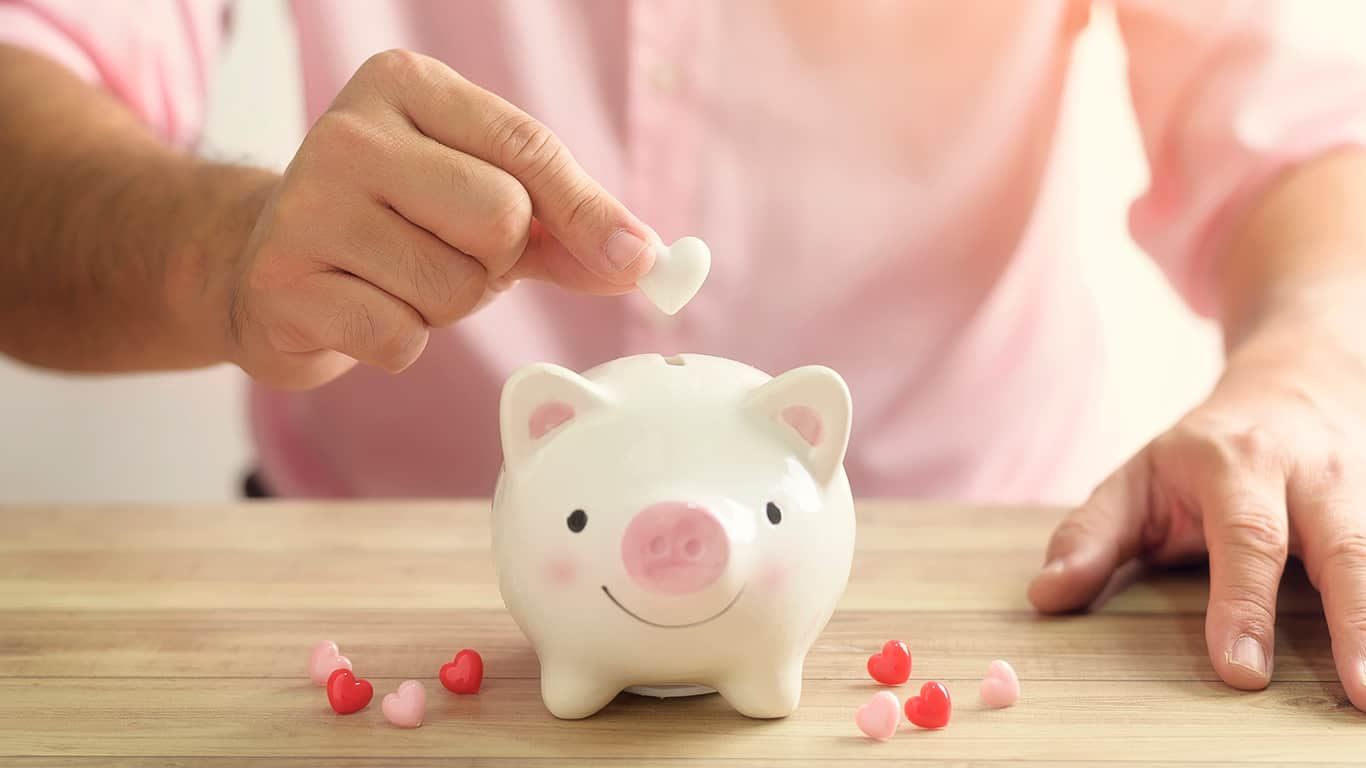5 Ways to Save Money on Valentine's Day