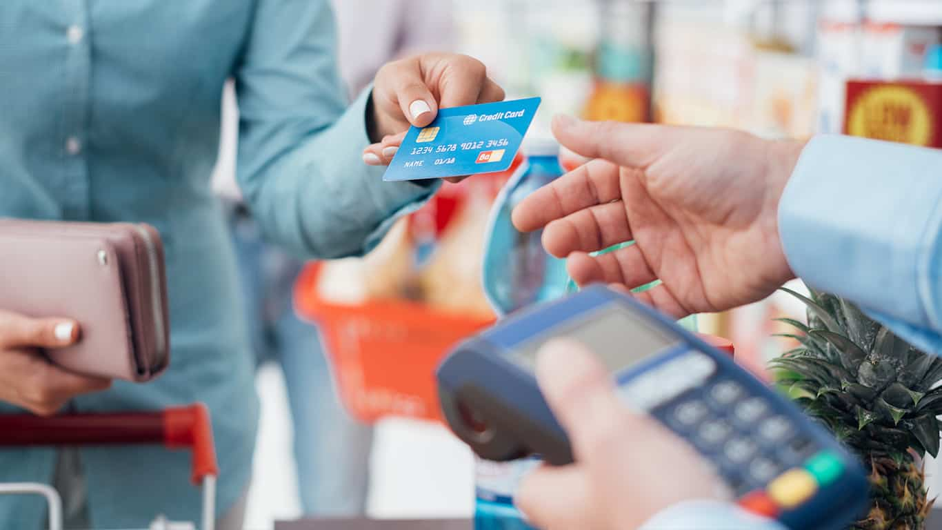 Plan large purchases around the grace period