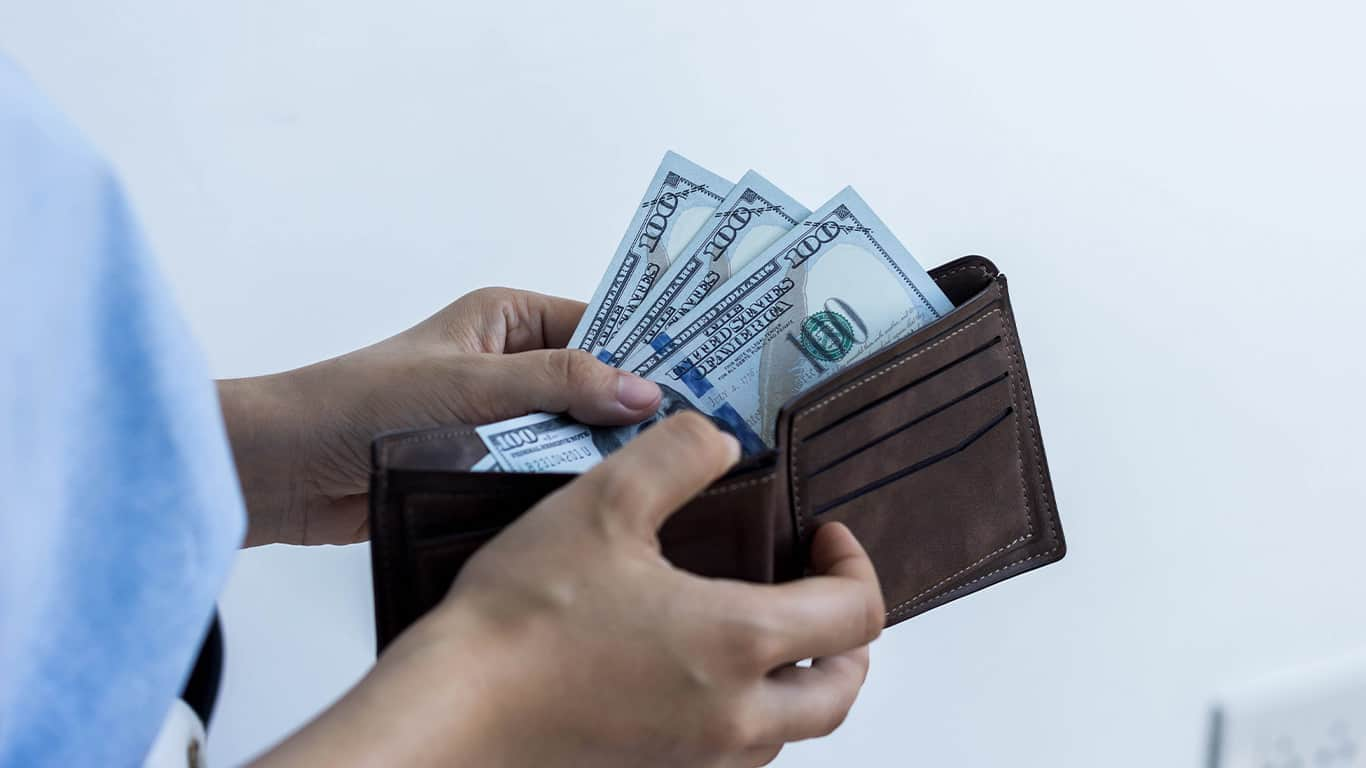 7 Ways to Nip Overspending in the Bud
