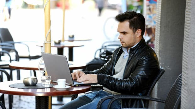 5 Identity Theft Risks You Should Never Take on Public Wi-Fi robo de identidad