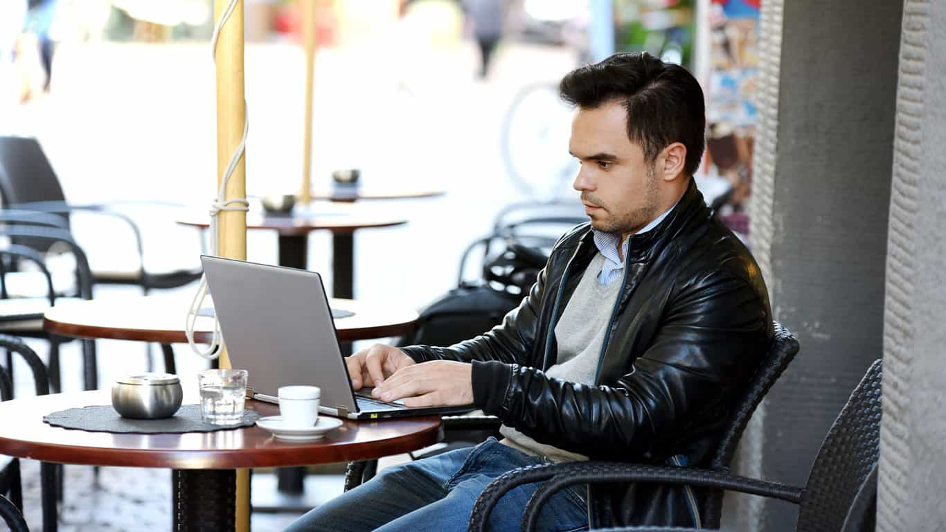 5 Identity Theft Risks You Should Never Take on Public Wi-Fi