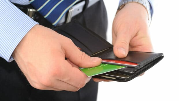 5 Credit Card Moves That Can Lower Your Credit Score puntaje de crédito