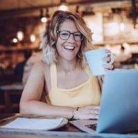 Vicky Philpott, digital nomad and founder of the Vicky Flip Flop travel blog