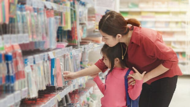 Back-to-School Shopping - compras de regreso a clases Drove Americans into Debt – and It Had Nothing to Do With the Pandemic