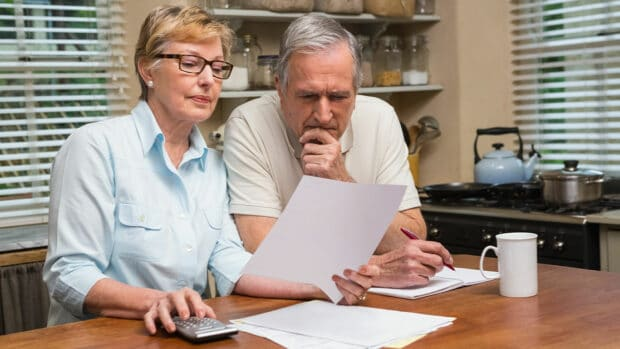 5 Questions to Ask Yourself Before Drawing Social Security