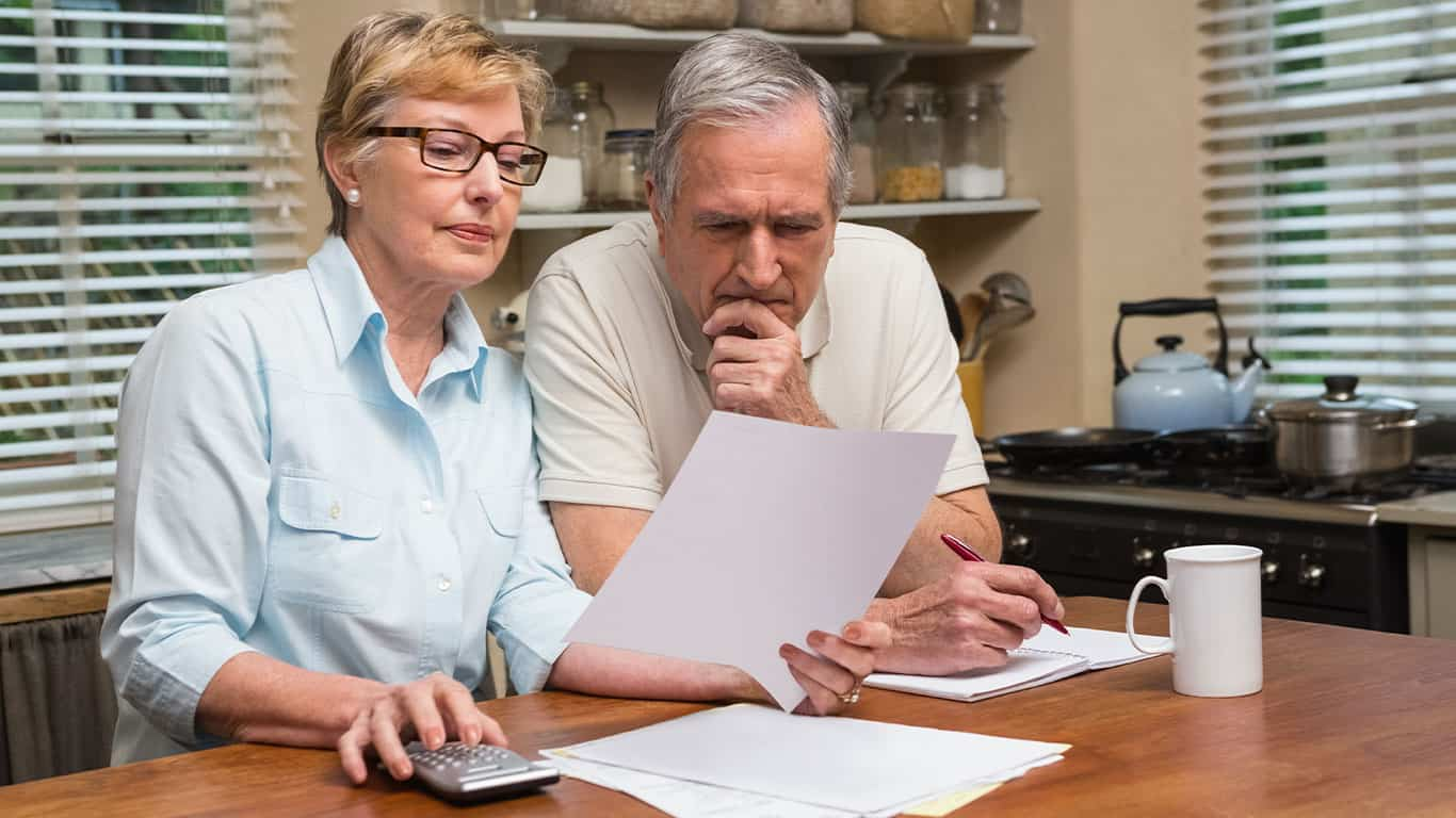 5 Questions to Ask Yourself Before Drawing Social Security cobrar su Seguro Social